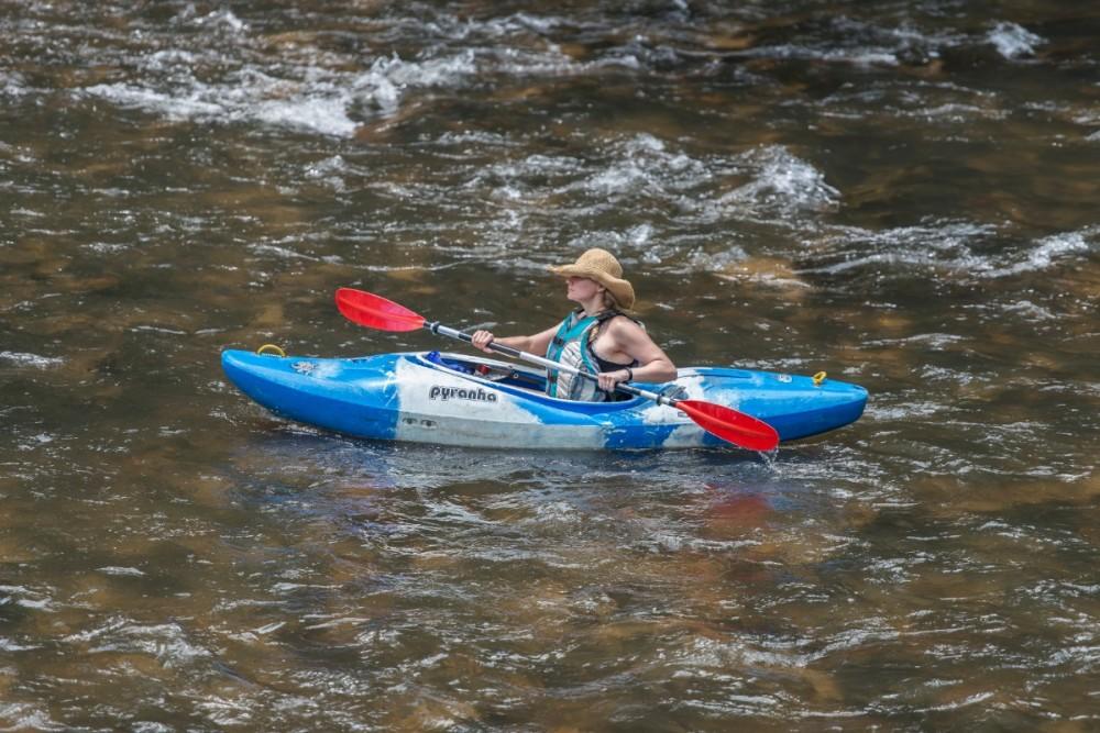 Ande Kayak Hefferin.jpg