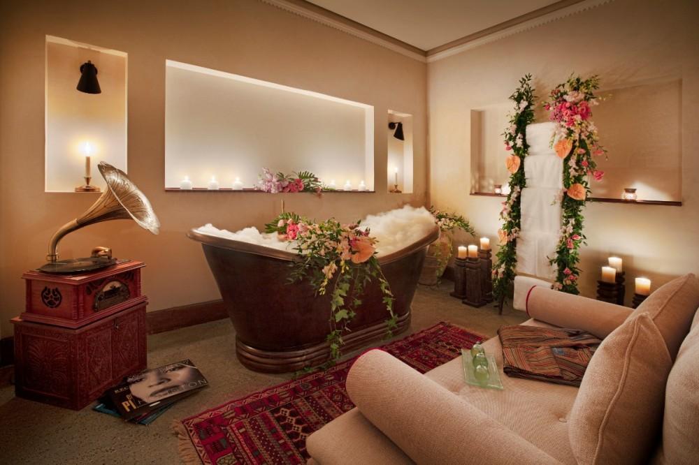 Honeymoon Bath 2.jpg